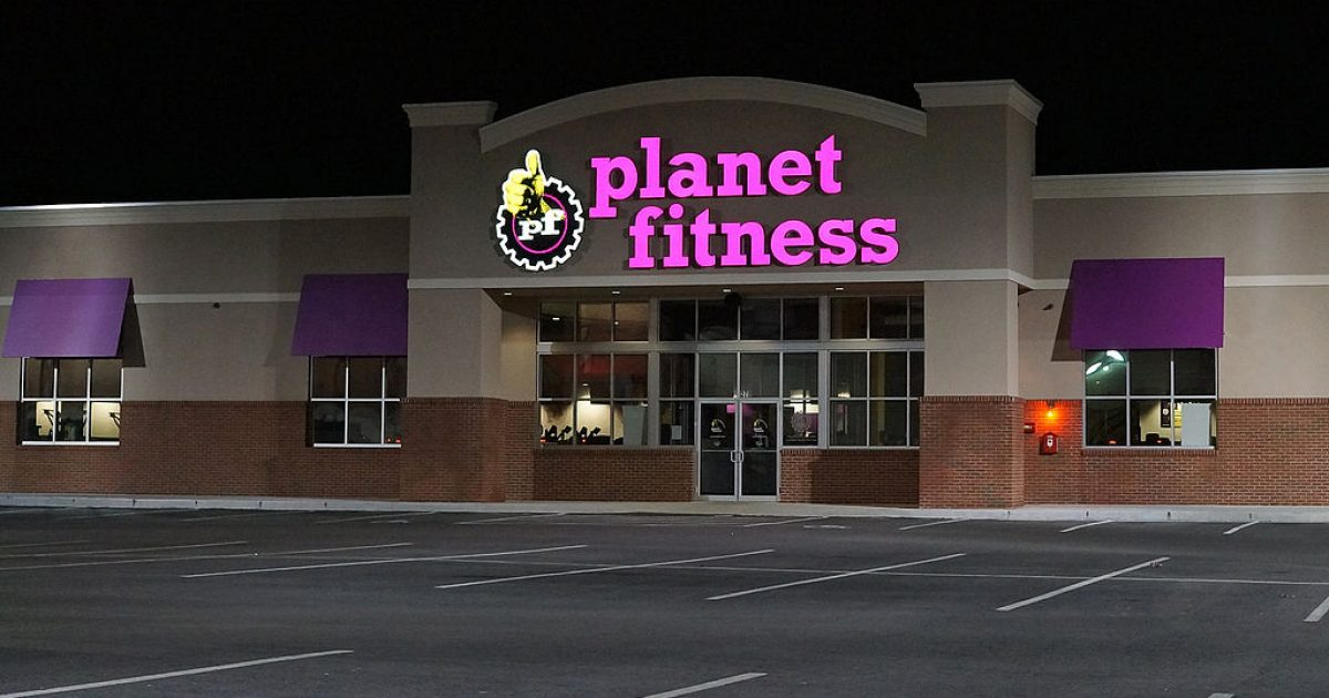 Dear Planet Fitness, why don't you care about the safety and privacy of women?